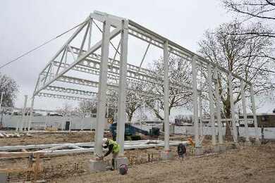 We zijn nu twee weken verder met de bouw van het dorpshuis Zwanenburg-Halfweg